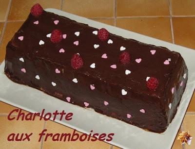 recette de la charlotte aux framboises nappée de chocolat