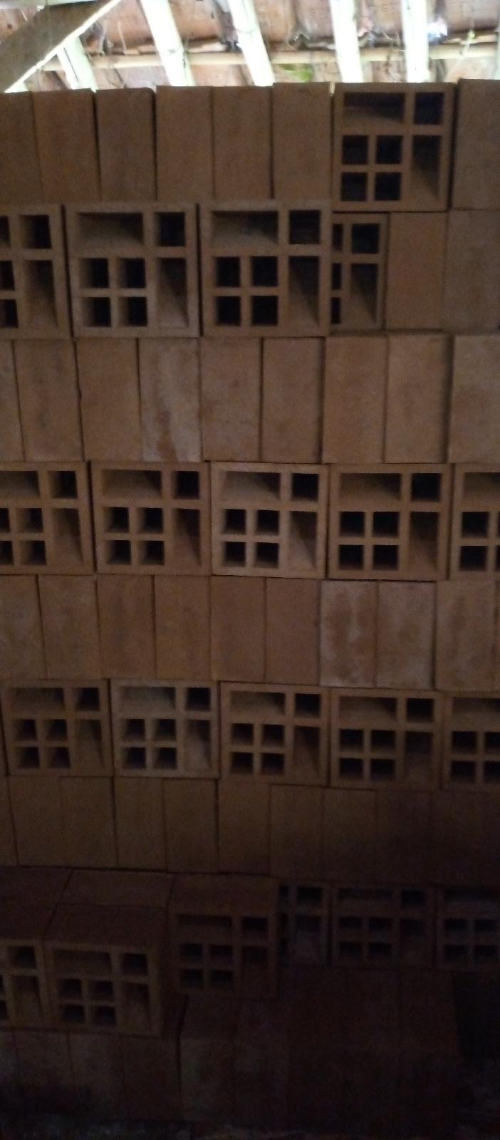 roster motif lubang 4 samping