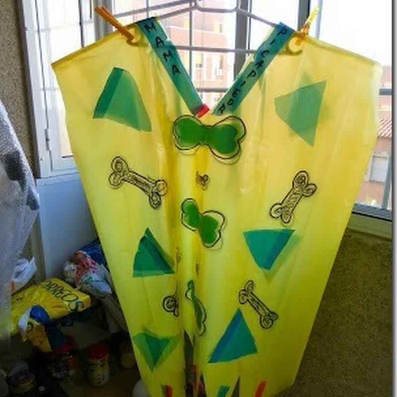 Disfraz de toglodita con bolsas de basura