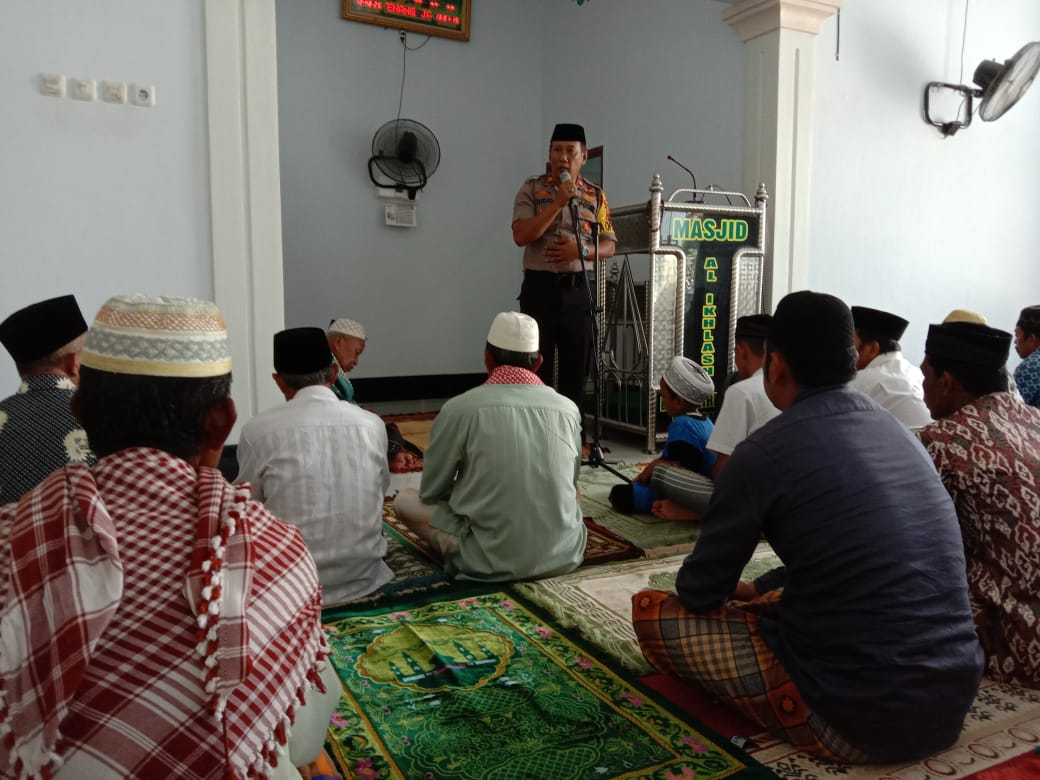 Pasca Pilkades, Kapolsek Ganra Sampaikan Pesan Kamtibmas  di  Masjid Al-ikhlas Desa Enrekeng