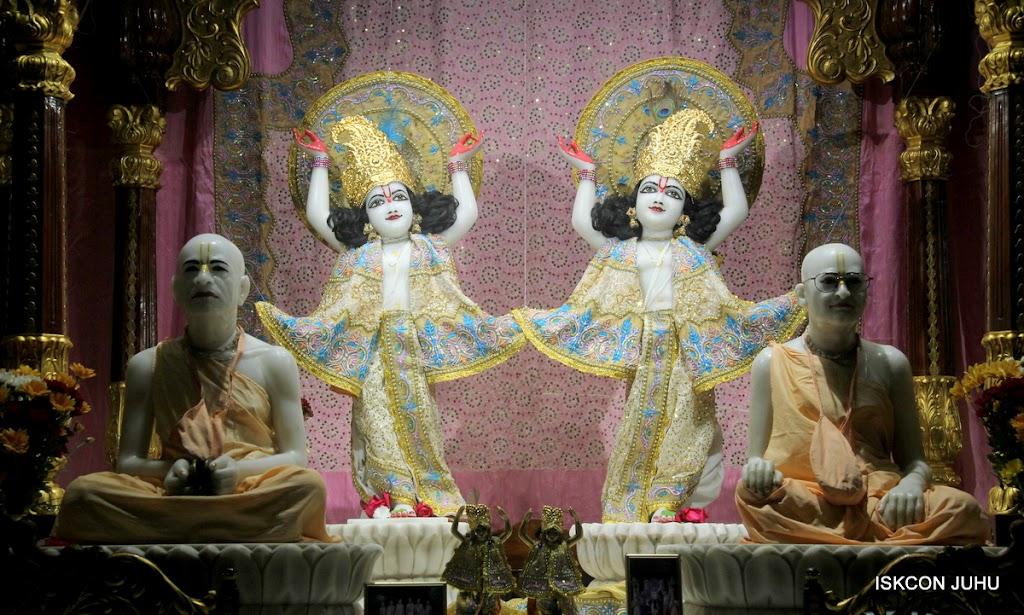 ISKCON Juhu Mangal Deity Darshan on 24th July 2016 (25)