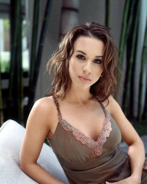 Lacey Chabert Profile Pics Dp Images