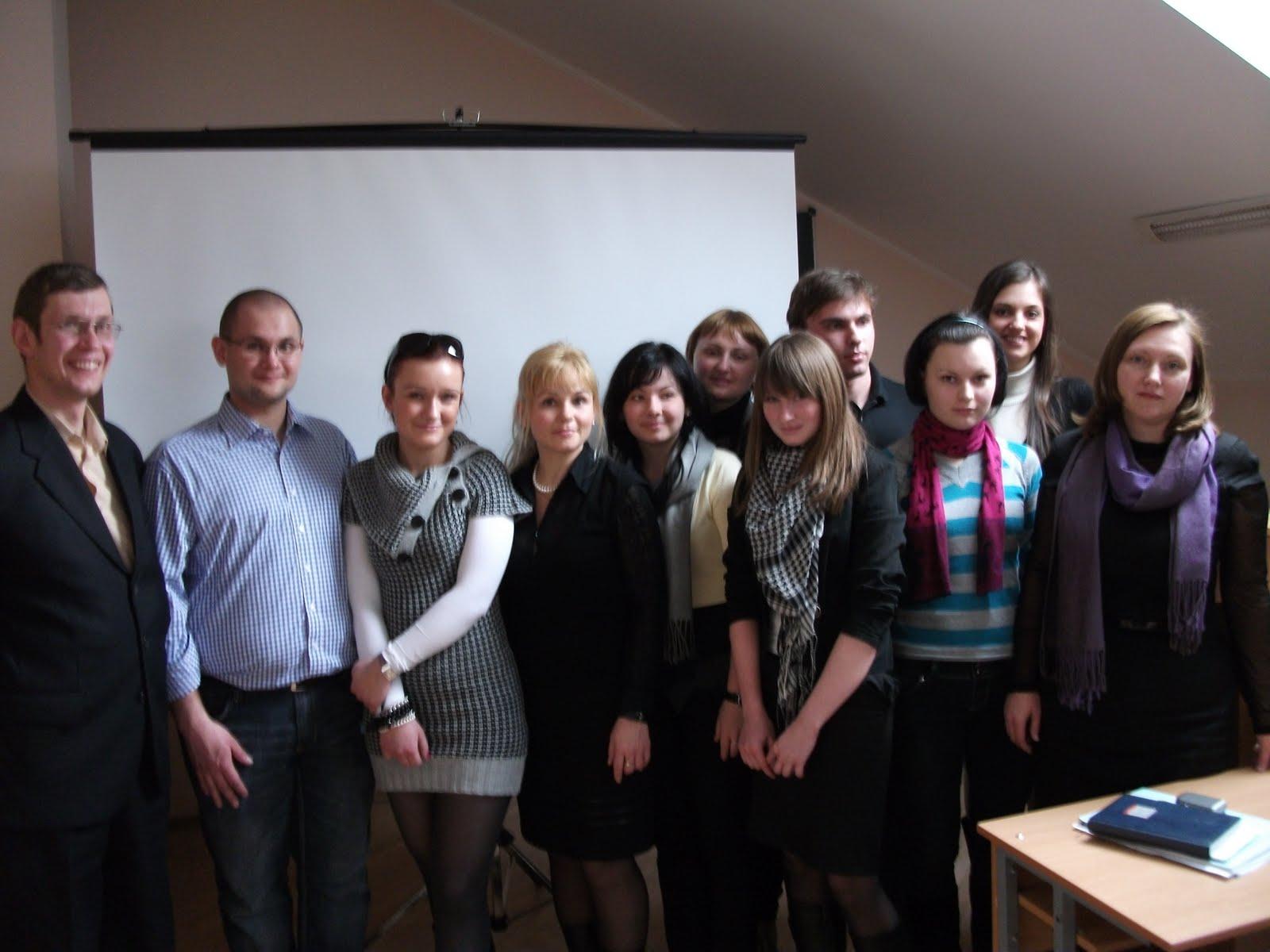 Zdjęcia z 3 dniowej wizyty w naszych Przyjaciół z Kijowa. Delegacja MHD odbyła wiele spotkań m.in. na Uniwersytecie, w Narodowym Szpitalu Dziecięcym Ohmadet i wielu innych miejscach, prowadząc rozmowy o utworzeniu na Ukrainie systemu opieki paliatywnej nad dziećmi...Mamy nadzieję, że dzięki wsparciu wielu osób o wielkich sercach już niedługo pomożemy stworzyc pierwszy ośrodek hospicyjny dla dzieci.