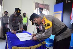 Upacara Serah Terima Jabatan Kabag, Kasat dan Kapolsek Jajaran Polres Sekadau