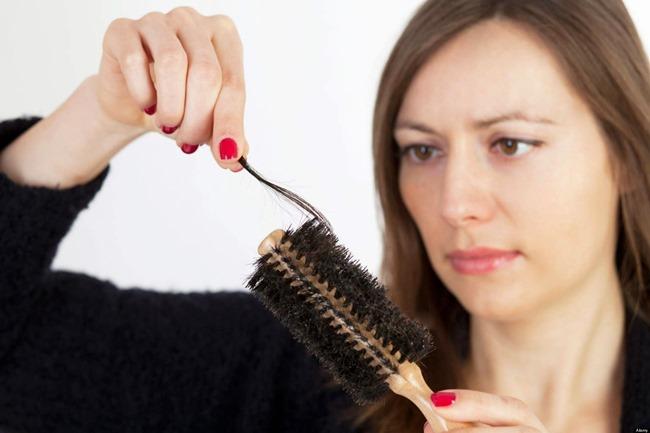 Penyebab-Rambut-Rontok-dan-Cara-Mengatasinya-Secara-Alami