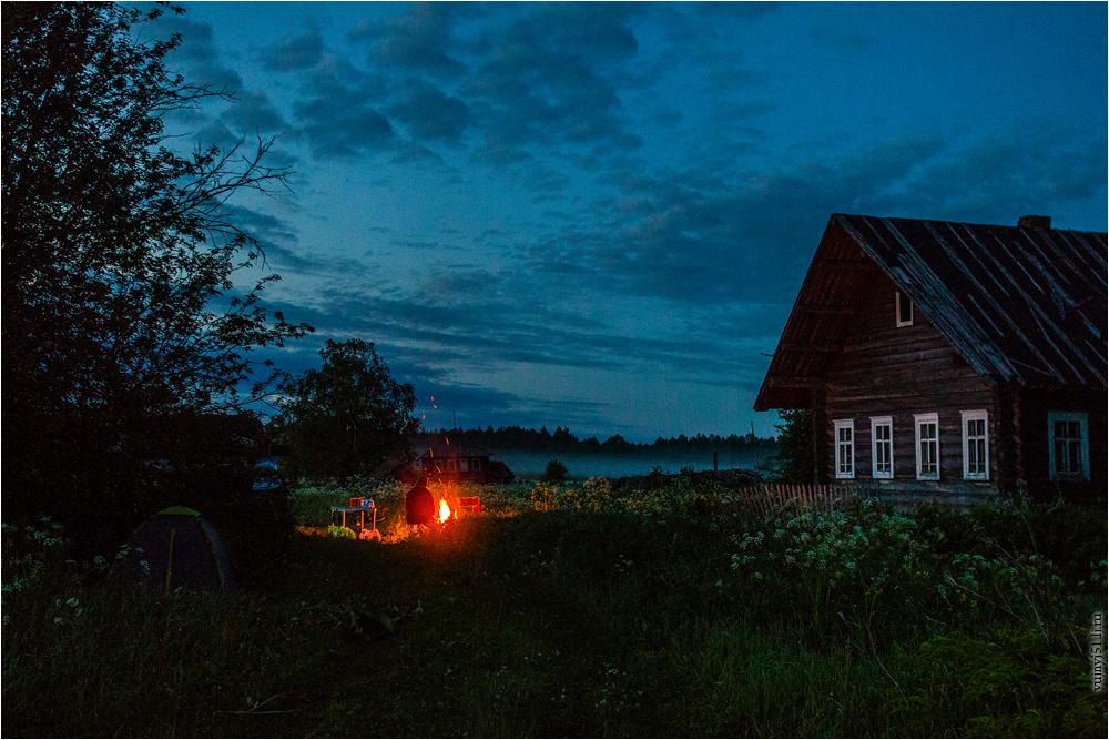 картинки деревенского дома вечером тенденции предлагают пофантазировать
