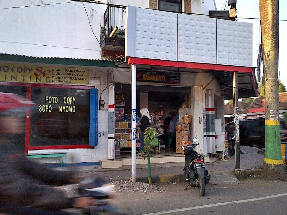 Toko Kue Cahaya Kepanjen Malang Indonesia