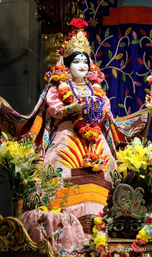 ISKCON Juhu Sringar Deity Darshan 10 Jan 2017 (48)