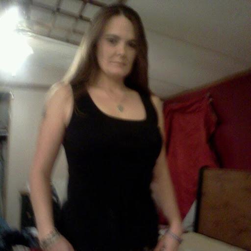 Stephanie Huggins Photo 12