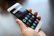 5 smartphone nhỏ gọn đáng mua nhất nửa đầu 2017