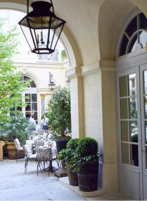 Unexpected interiors ralph lauren 39 s flagship store in st germain paris - Ralph lauren restaurant paris ...