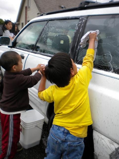 Tibetan Sunday School: Car Wash Fundraiser - Car%2BWash%2B-%2BJune%2B2010%2B021.jpg