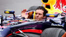Mark Webber waves to the F1 fans