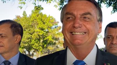 Bolsonaro tem alta e  volta ao Planalto