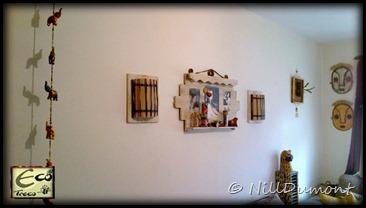Painel com fotos e luminárias - 06