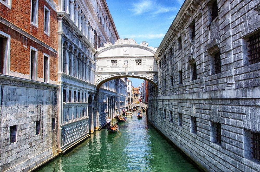 El Puente De Los Suspiros En Venecia Destino Infinito