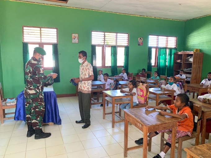 Peduli Pendidikan, Pos TNI di Perbatasan RI-RDTL Sektor Timur Berikan Motivasi Belajar