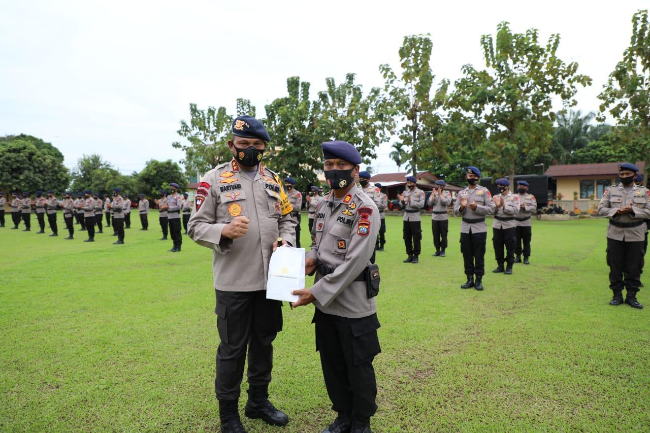 Kapolda Sumut Pimpin Apel Pemberangkatan Sat Brimob Polda Sumut BKO Polda Metro Jaya
