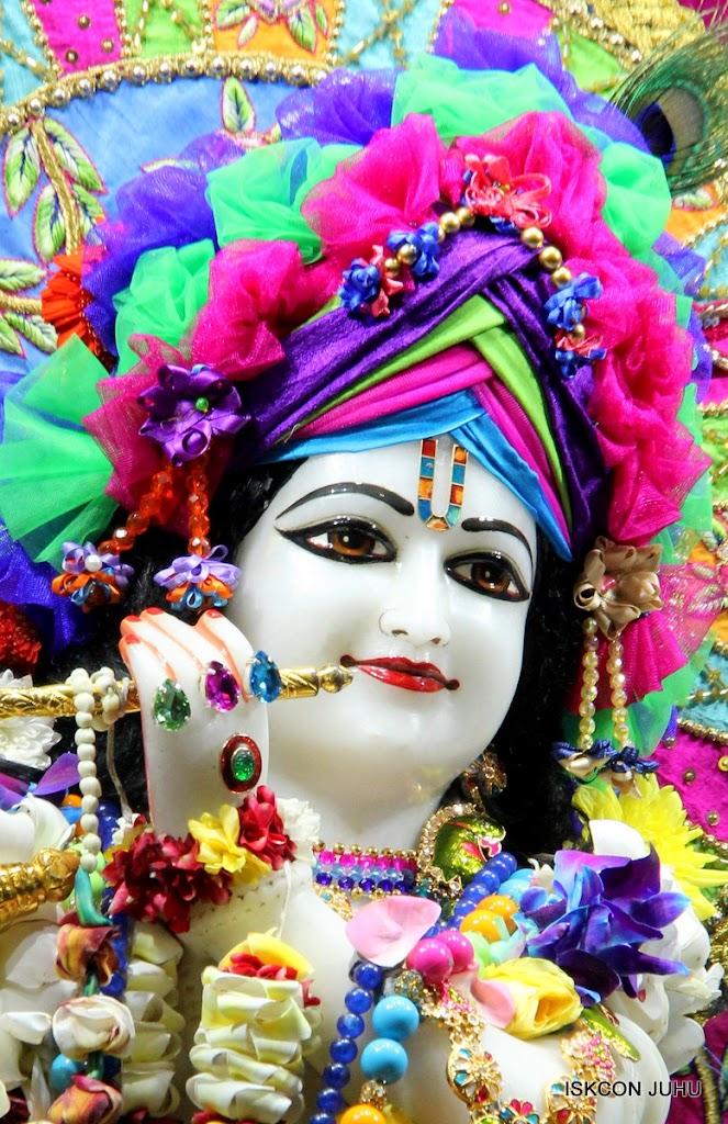 ISKCON Juhu Sringar Deity Darshan on 29th April 2016 (11)