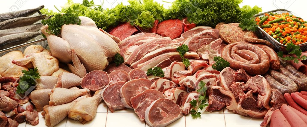 [29027544-a-display-of-various-meats-including-chicken-steak-beef-fish-deli-meats-and-boerewors-on-a-white-stu%5B6%5D]