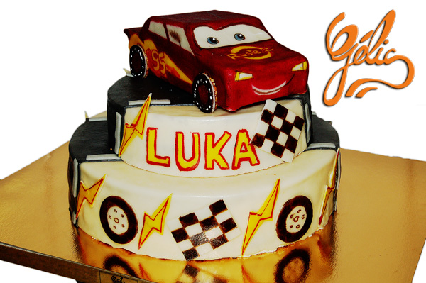wedding cake voiture ptt.jpg