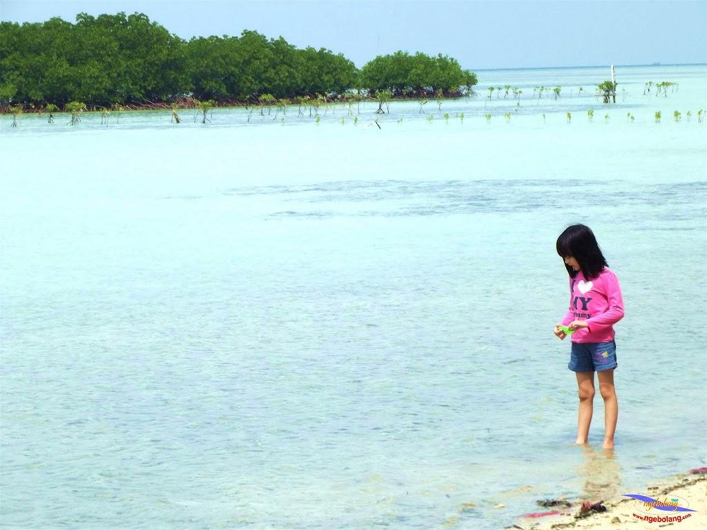 family trip pulau pari 140716 Fuji 034
