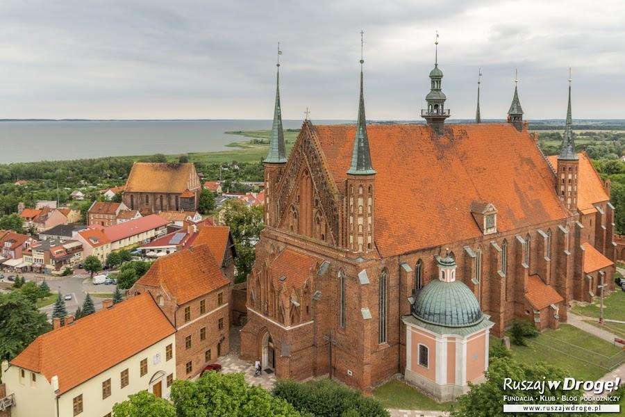 Archikatedra we Fromborku z grobowcami biskupów warmińskich