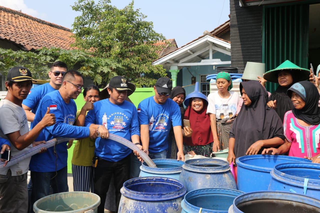 Walikota Serang Explore Destinasi Wisata Banten Lama Sambil Bagi-bagi Air ke Warga