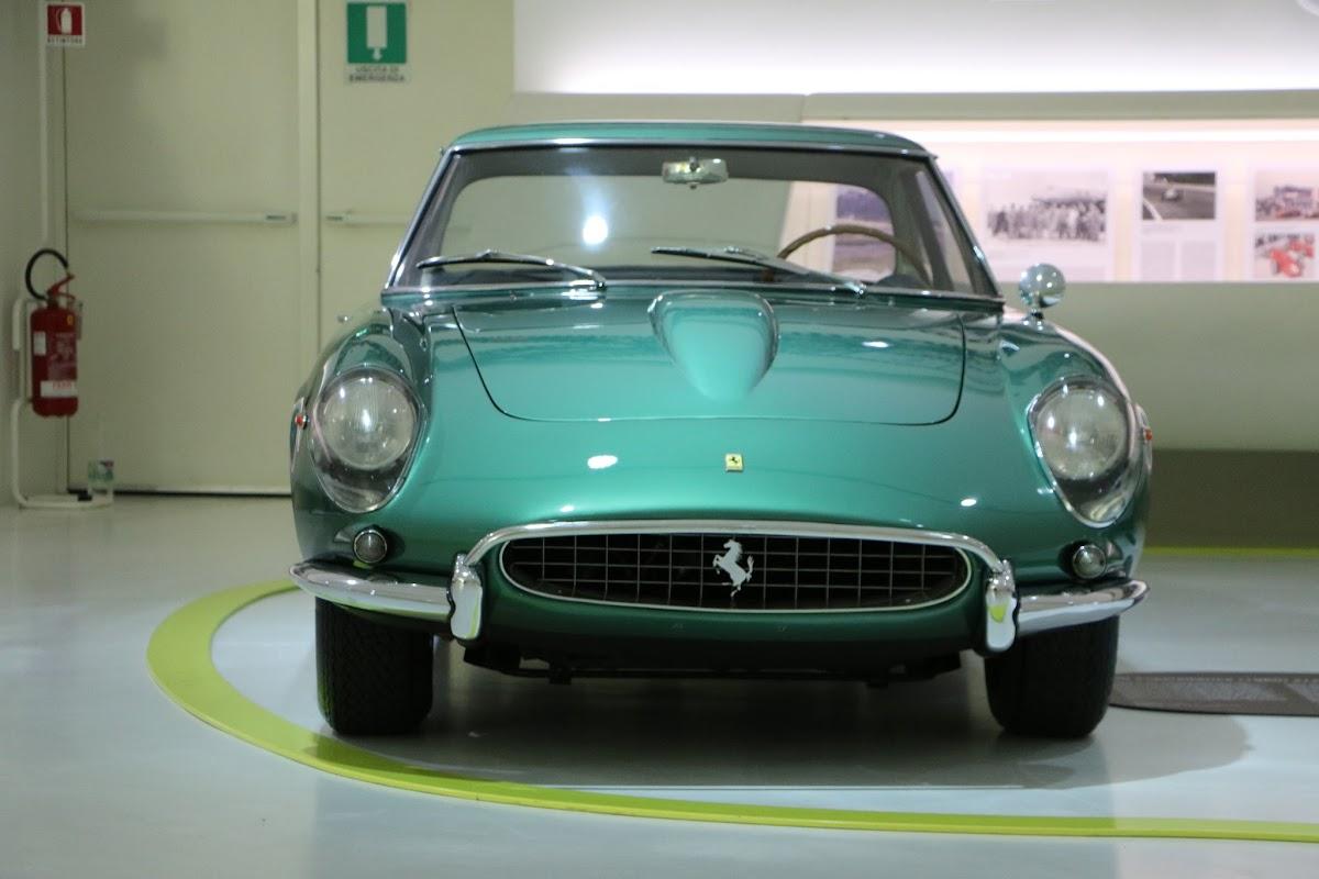 Modena - Enzo Museum 0048 - 1967 Ferrari 400 America.jpg