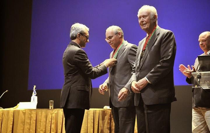 Francisco Lopes agraciado com a Medalha de Mérito Cultural pelo Governo português
