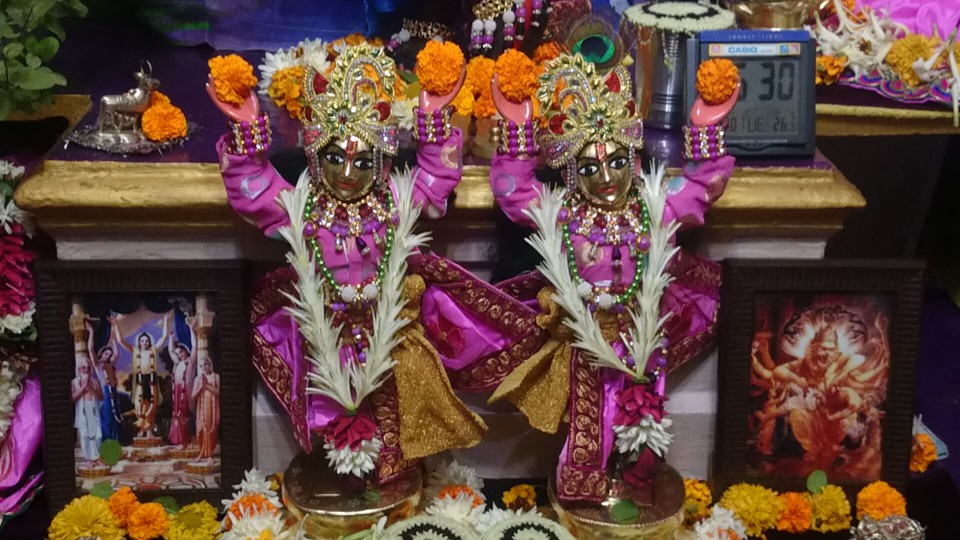 ISKCON Bhusawal Deity Darshan 13 Dec 2015 (7)