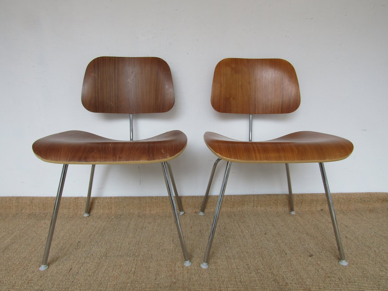 Eames Molded Plywood Chair Pair (5)