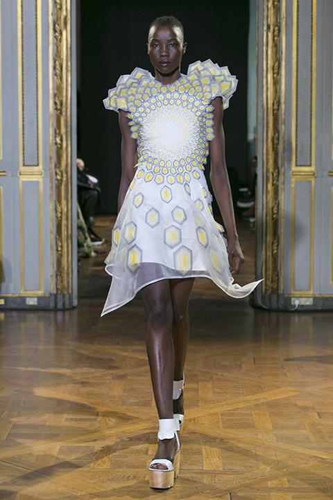 Rahul Mishra Fashion Show, Ready to Wear Collection Spring Summer 2016 in ParisCREDIT: Valerio Mezzanotti / NOWFASHION