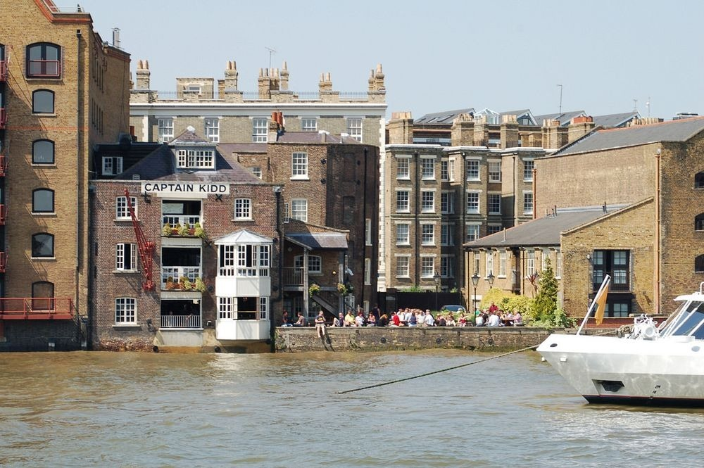 execution-dock-wapping-3