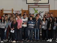 03 Az egyházi gimnázium diákjainak egy része.JPG