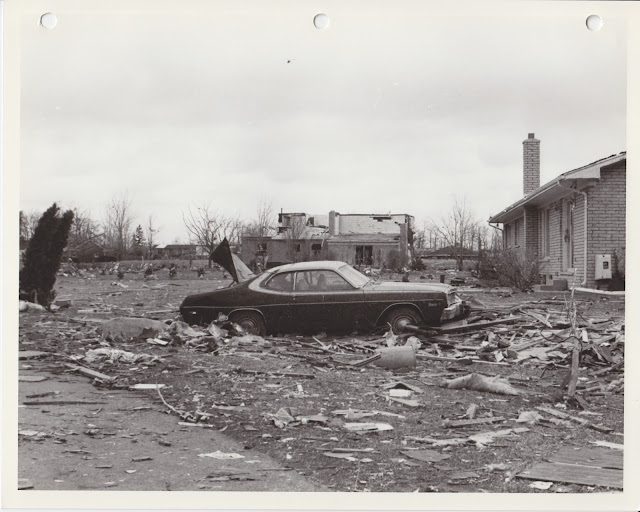 1976 Tornado photos collection - 45.tif