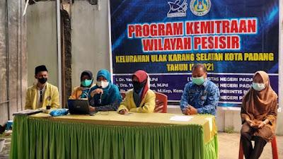 Untuk Tingkatkan Ekonomi Nelayan, Tim Pengabdian Masyarakat UNP dan UPI Latih Buat Rendang berbahan Seafood