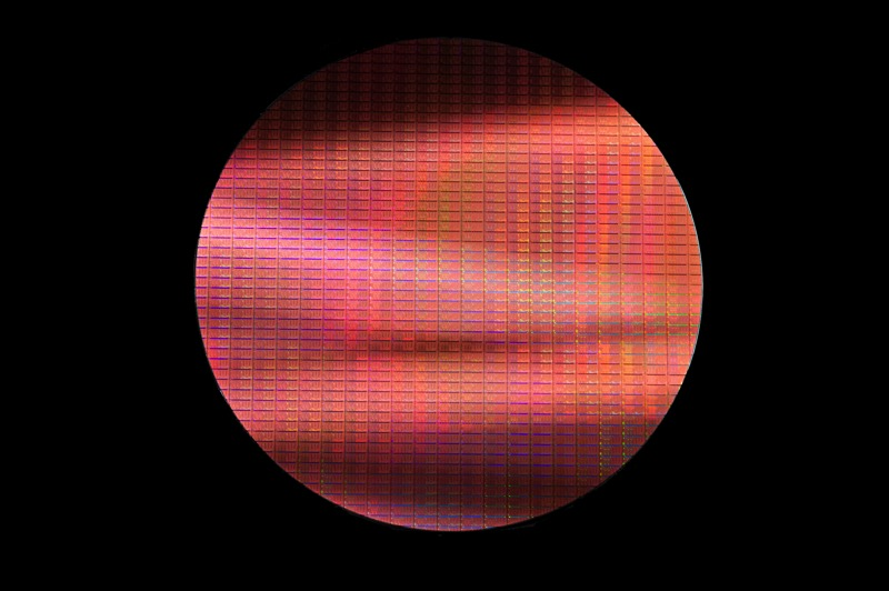 Broadwell  14nm Wafer Dark