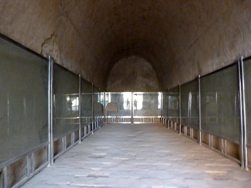 XINJIANG.  Turpan. Ancient city of Jiaohe, Flaming Mountains, Karez, Bezelik Thousand Budda caves - P1270996.JPG