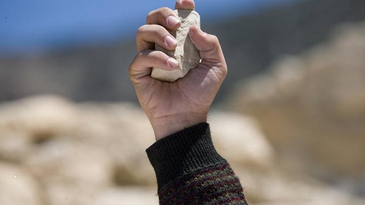 Mùa Chay này, có những hòn đá buông rơi...