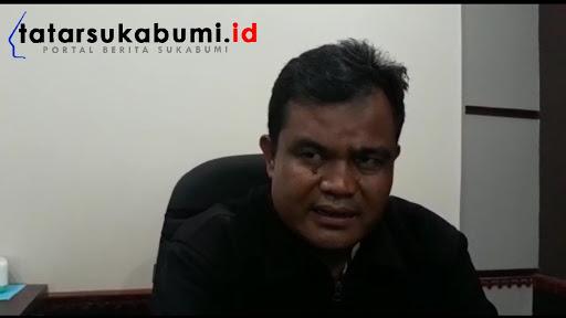 Haer Suhermansyah Kepala Desa Cijengkol Kecamatan Caringin Sukabumi // Foto : Isep Panji