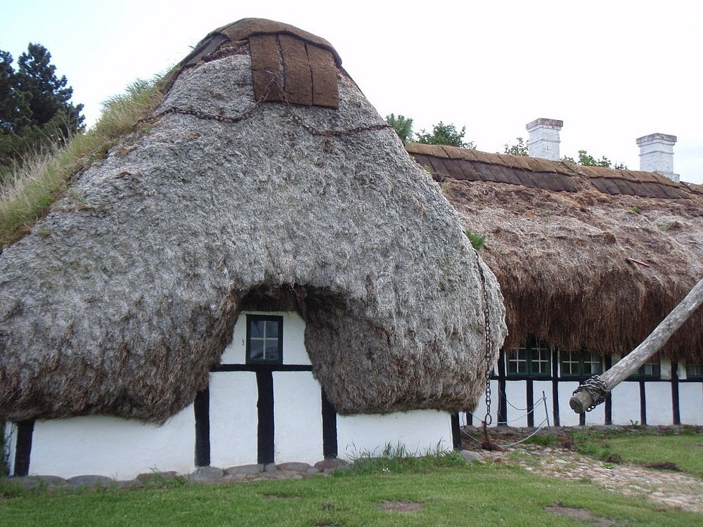 The Seaweed Houses Of L 230 S 248 Island Amusing Planet