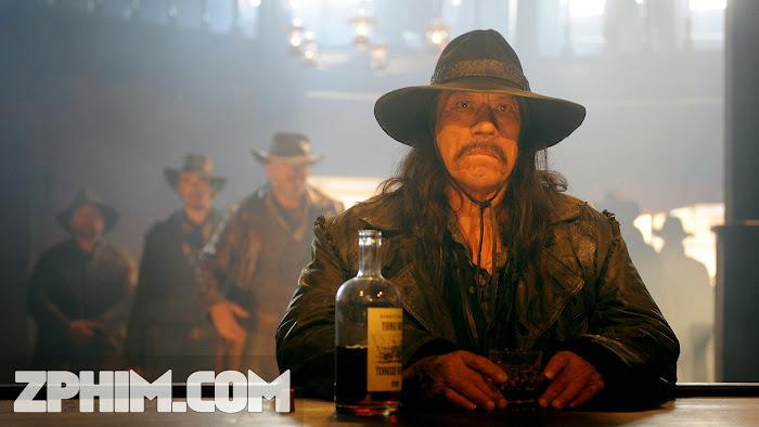 Ảnh trong phim Thị Trấn Của Kẻ Chết - Dead in Tombstone 1