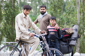 We were not the only with bicycle. Near Dahimal, Ghizer