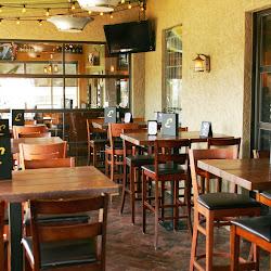 Ernie's Bar & Pizza's profile photo