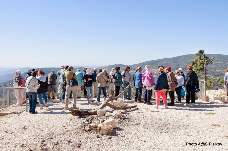 Смотровая площадка в парке Цфата. Экскурсия по Верхней Галилее. Гид в Израиле Светлана Фиалкова.