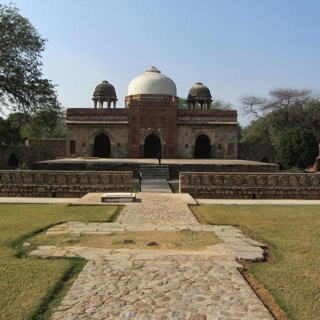 Isa Khan complex, Delhi