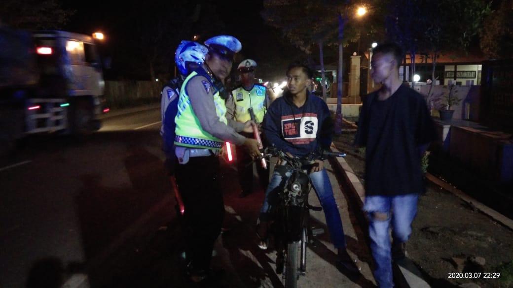 Antisipasi Begal, Balap Liar dan Kejahatan Jalanan, Polres Sergai Operasi razia Malam