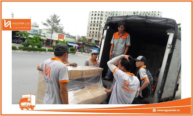 thuê xe tải chở hàng quận Tân Phú