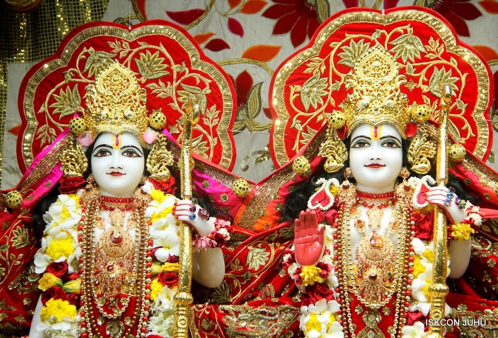 ISKCON Juhu Sringar Deity Darshan on 28th June 2016 (51)